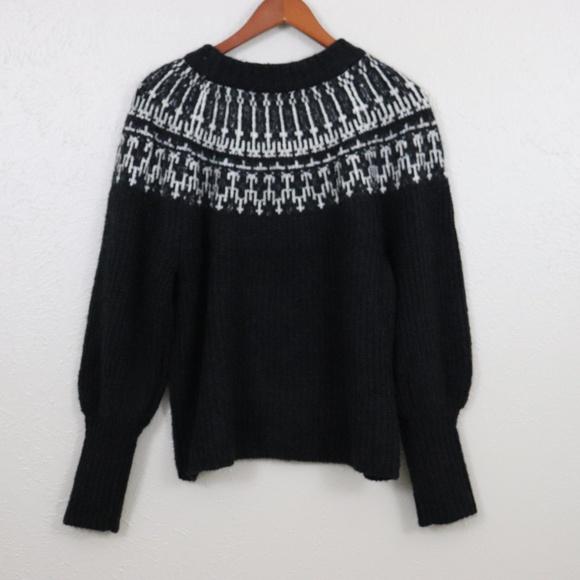 Universal Thread Sweaters - Universal Thread| Long Sleeve Crewneck Pullover